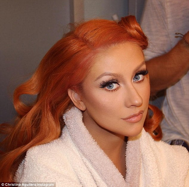 Christina Aguilera shows off fiery red hair - hairdressers cavan